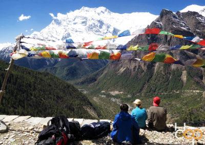 bbpFellow unter tibetischen Gebetsflaggen
