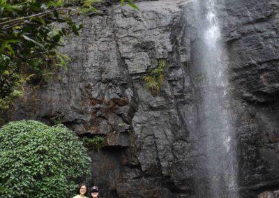 bbpFellows vor Wasserfall