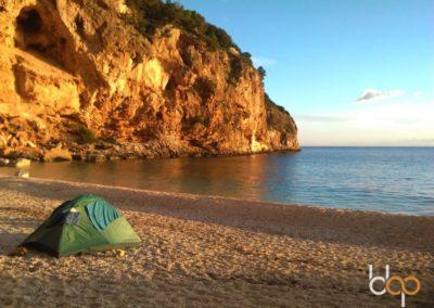 Sardinien Mare e Monti Cala Luna Strandübernachtung mit Zelt ©Sandra Lietze